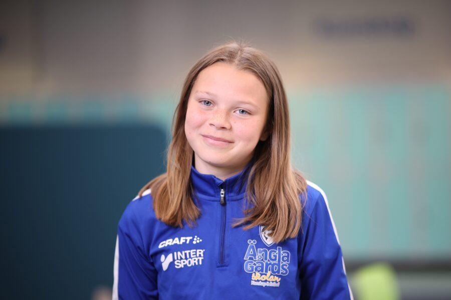 Porträtt av Leah Berglund på Änglagårdsskolan.